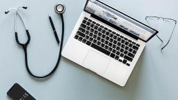 laptop-stethoskop-dsgvo-gruender-gruenden