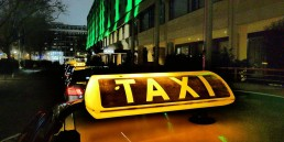 taxi-auto-schild